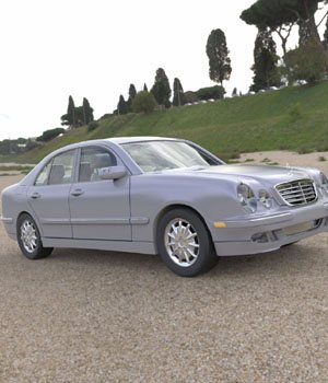 Mercedes Benz E-320 2000 3ds and obj - Extended License 3D Game Models : OBJ : FBX 3D Models Extended Licenses Digimation_ModelBank